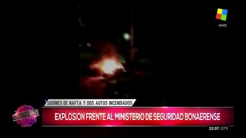 Incendiaron intencionalmente dos autos frente a un ministerio de Vidal