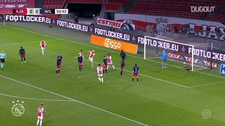 Davy Klaassen scores overhead kick vs Willem II