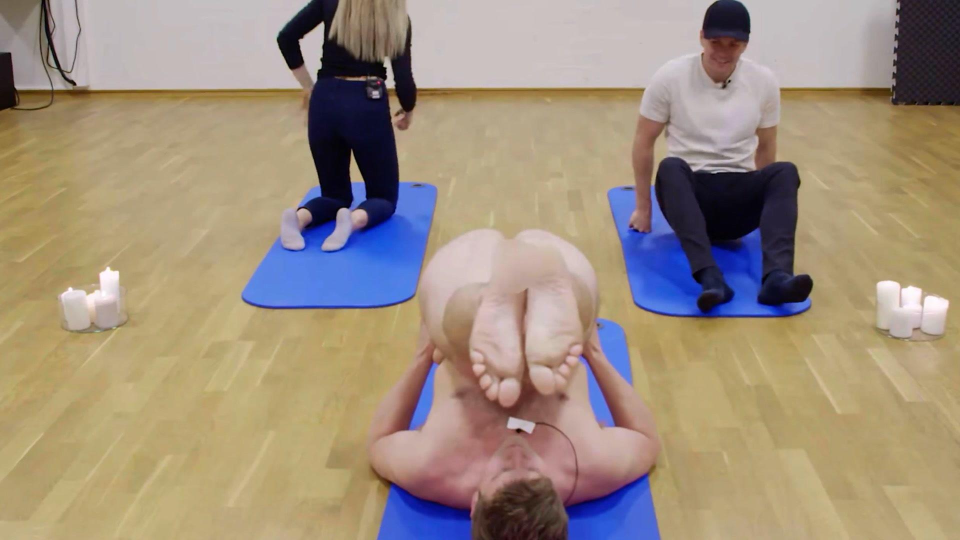 Yoga oslo naken Home