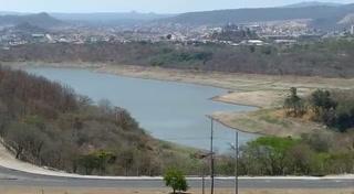 Bajo nivel de la represa Los Laureles preocupa a los capitalinos