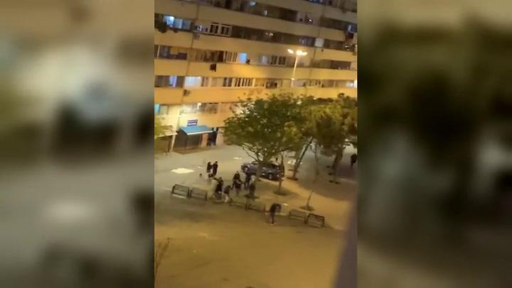 Una mujer acaba herida en una pelea con armas de fuego en La Mina