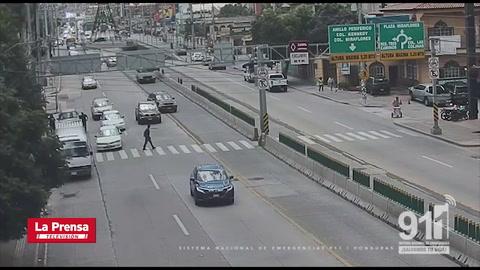 Peatón termina atropellado por imprudencia de chofer de bus en Tegucigalpa
