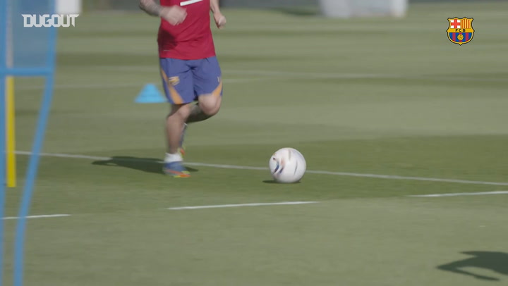 Leo Messi returns to Barcelona training
