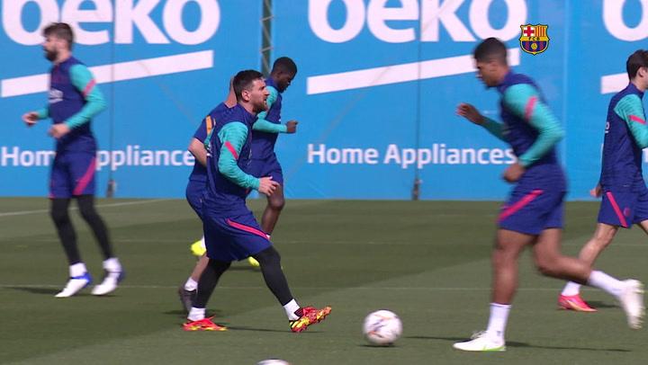 Entrenamiento del Barça con la mente puesta en el partido contra el Valladolid