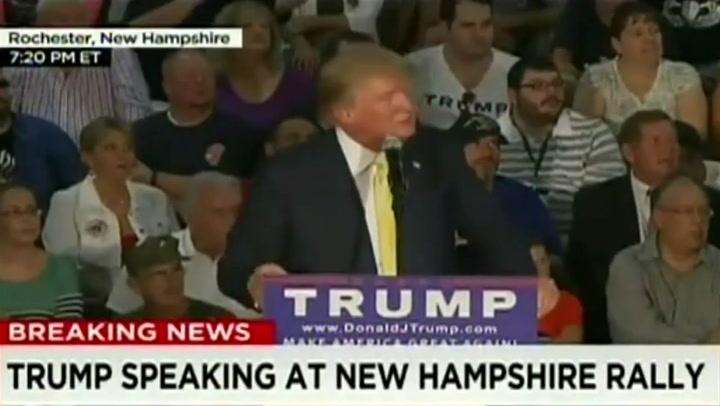 Donald Trump tijdens zijn campagnebijeenkomst