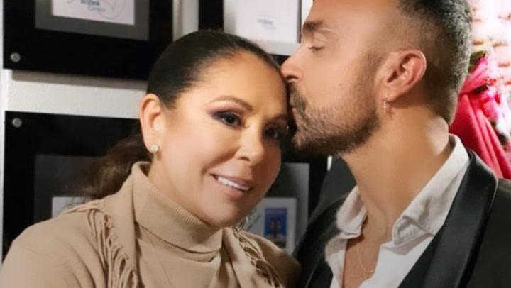 ¡A todo pulmón! Kiko Rivera, Irene Rosales y muchos amigos de Isabel Pantoja lo dan todo en su concierto