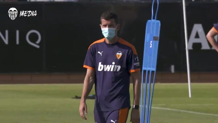Javi Gracia se queda en el Valencia