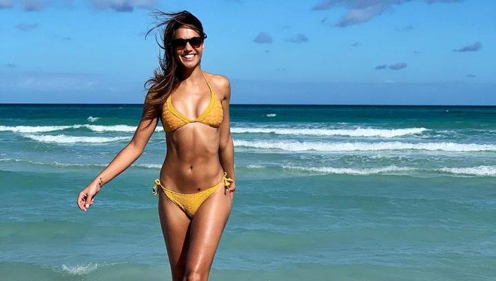 Lara Álvarez publica una foto en topless en la bañera