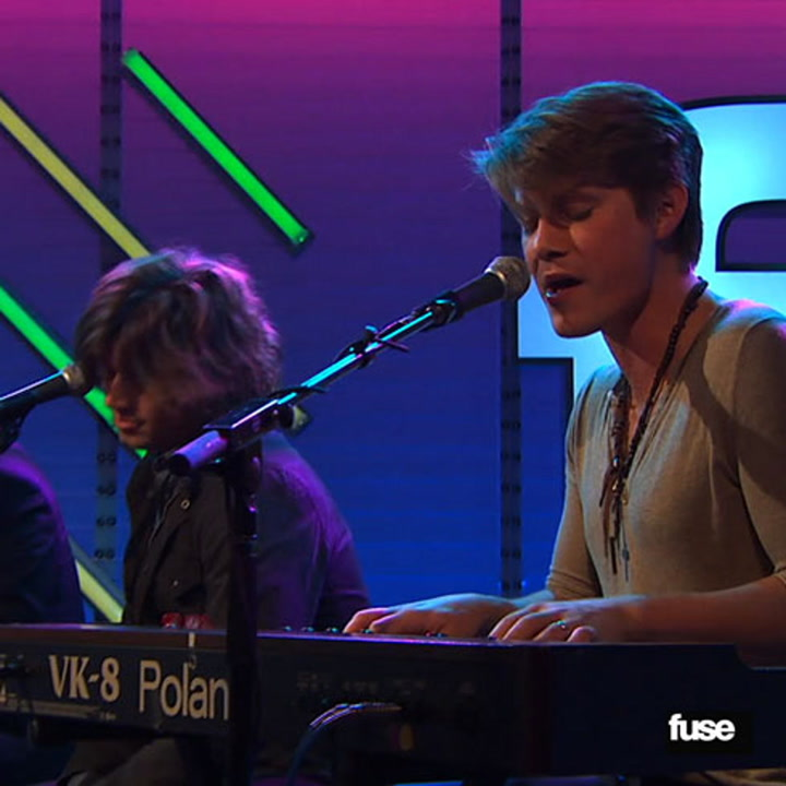 """Hanson Performs """"Cut Right Through Me"""" Live on Fuse"""