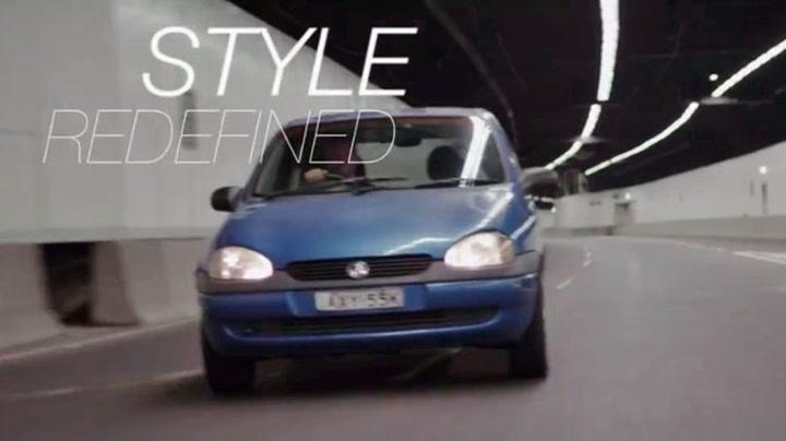 Selger sin gamle Opel på YouTube