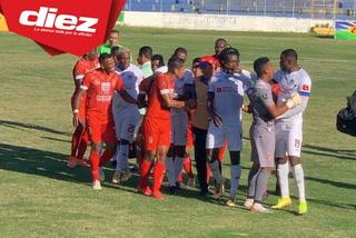 Yustin Arboleda estalla y acusa de racismo a uno de los jugadores de la Real Sociedad
