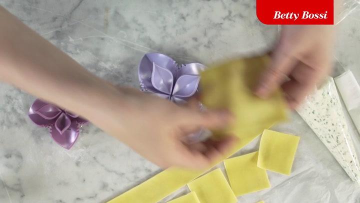 Preview image of Betty Bossi Dumpling Maker video
