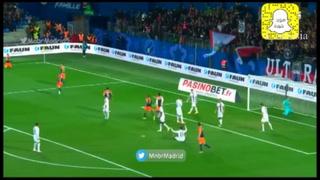 VIDEO: Keylor Navas recibe gol de su propio compañero y es cómplice