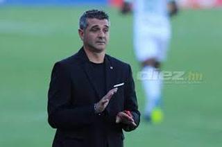 Diego Vázquez tira al Olimpia: