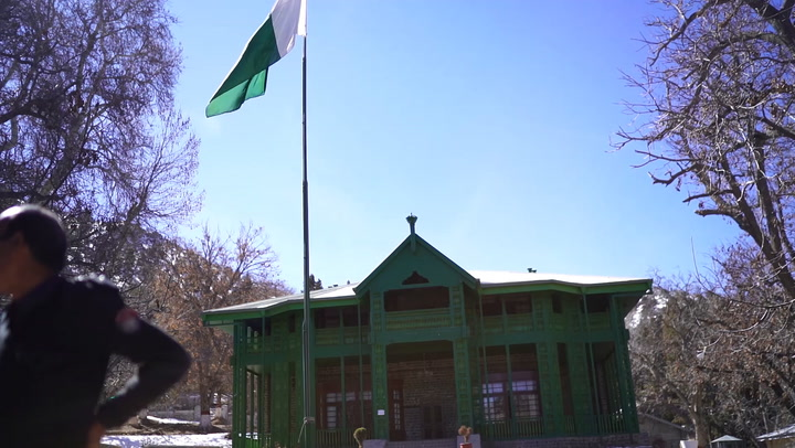 Pakistani flag flying outside Jinnah Residency