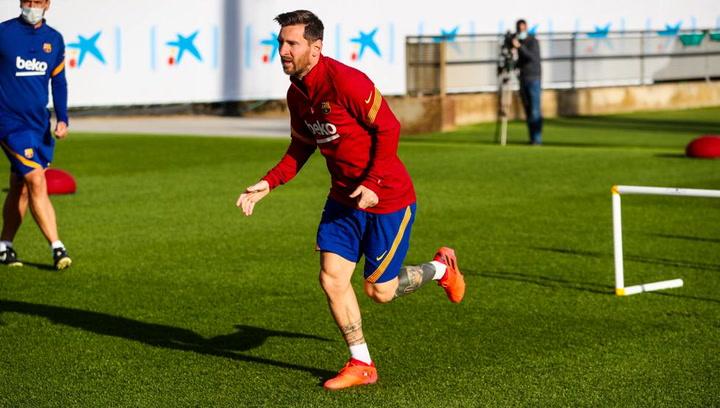 El Barça vuelve al trabajo con Messi, pero sin Trincao