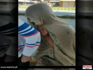 لاہور میں نوجوان خاتون کا بھیس بدل کر سفر کرتا پکڑا گیا