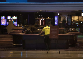 Nevada casinos closing for 30 days following state order – VIDEO