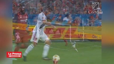 ¡Ibrahimovic llega a los 500 goles en su carrera con una joya!