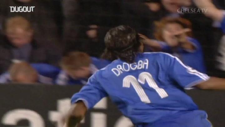 Golaço de Drogba contra o Barcelona na Champions League