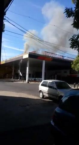 Pánico por el incendio de una estación de GNC en la zona sur