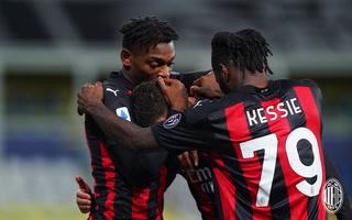 Milan saca una victoria importante ante Parma en la Serie A, Ibrahimovic se fue expulsado
