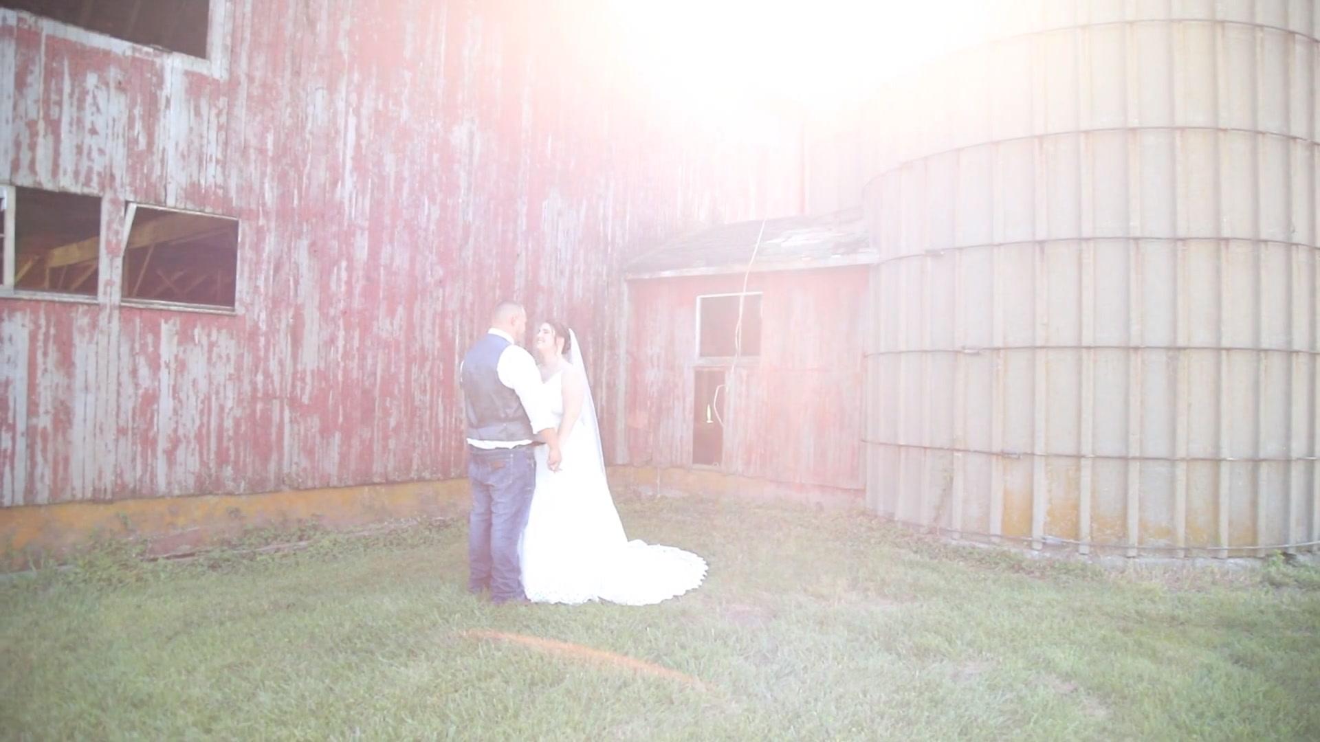Jennifer + Brandon | Bunker Hill, Illinois | Bunker Hill VFW