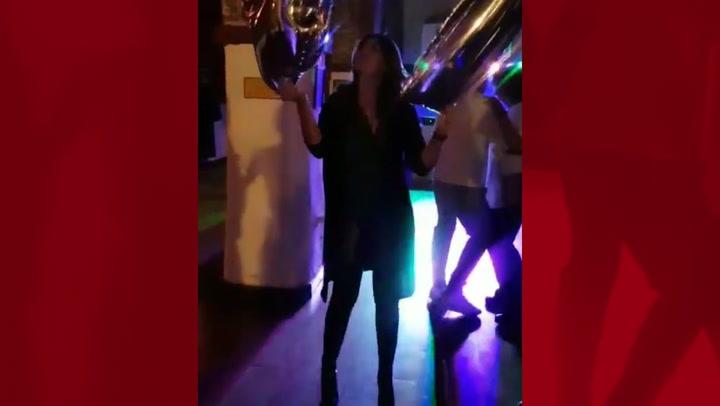 Fabiola Martínez celebra su 47 cumpleaños \'dándolo todo\' en la pista de baile