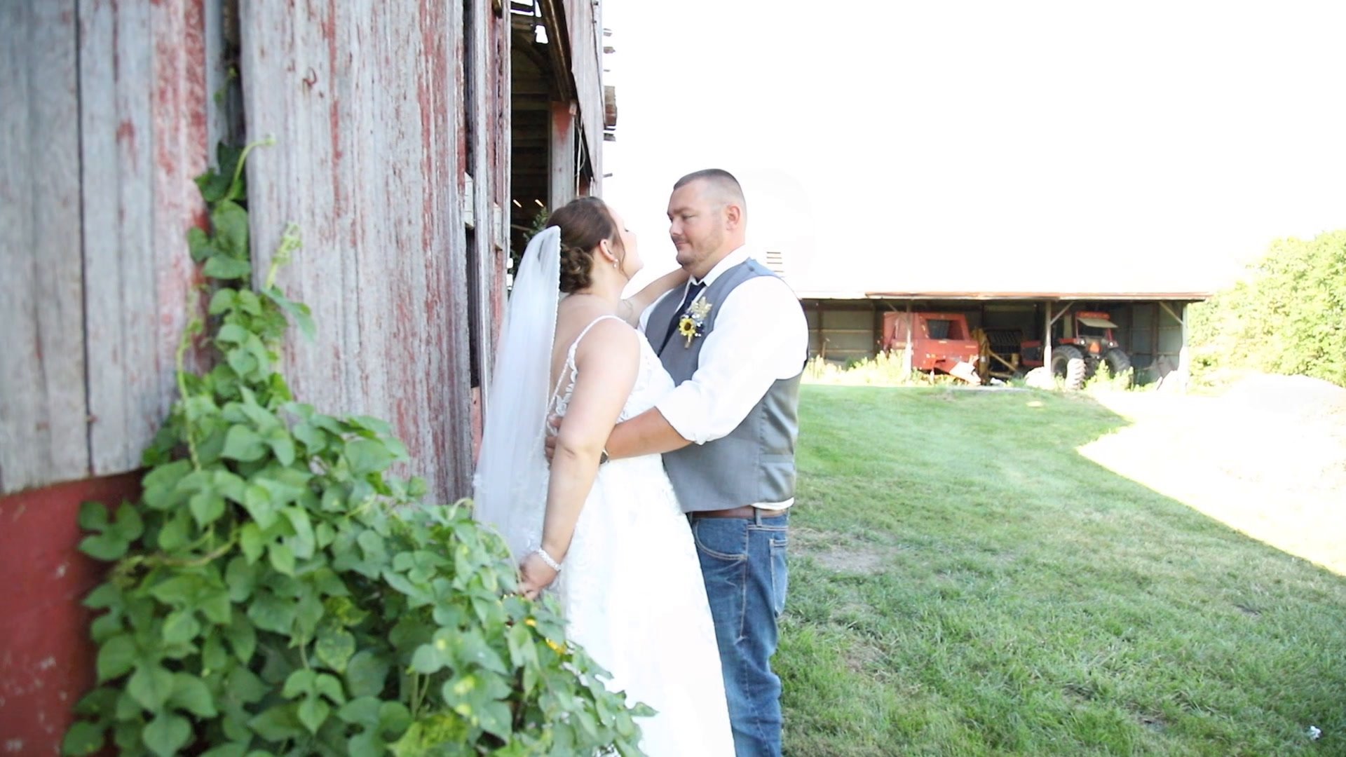 Jennifer + Brandon | Bunker Hill, Illinois | Bunker Hill VFW