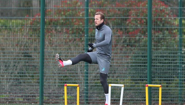 Kane acelera en su recuperación y ya toca balón