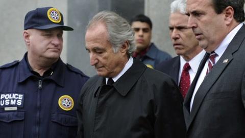 Murió en prisión Bernie Madoff, condenado por la mayor estafa piramidal de la historia