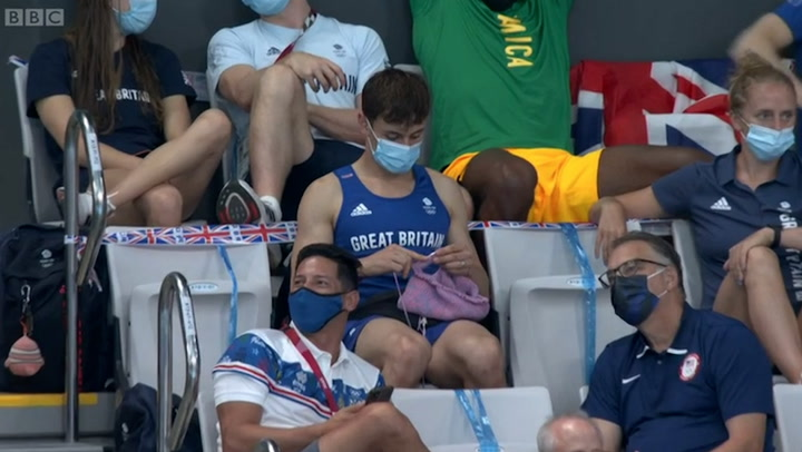 Tom Daley knits while watching Olympic springboard final in Tokyo