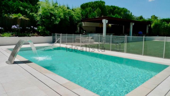 Iker Casillas y Sara Carbonero alquilan su casa en La Finca: así es la vivienda con piscina, gimnasio y spa