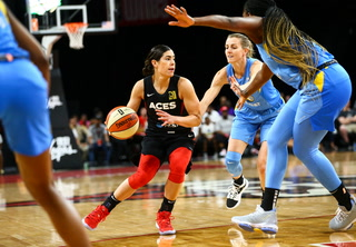 Las Vegas Aces Get an Afternoon Win Over the Chicago Sky, 90-82 – Video Highlights
