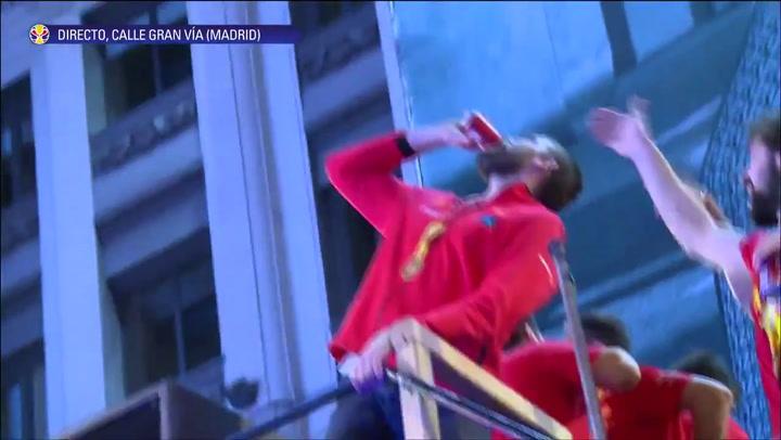 Lo ha vuelto a hacer: Marc Gasol se bebe una cerveza de un trago