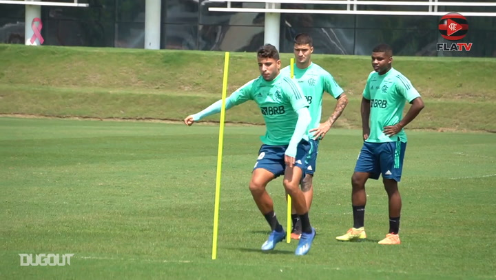 Domenec Torrent is back in Flamengo's training session