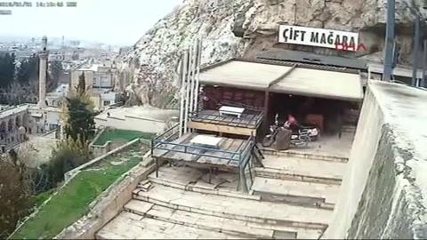 Cayó 20 metros desde una montaña mientras festejaba su cumpleaños