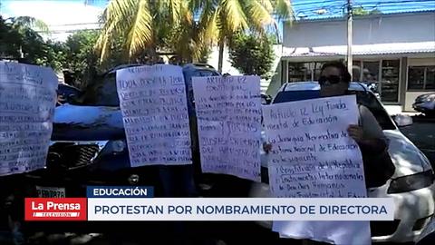 Protestan por nombramiento de directora