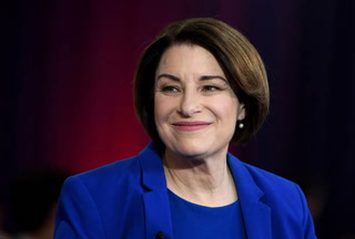 Amy Klobuchar drops out of 2020 presidential race – VIDEO