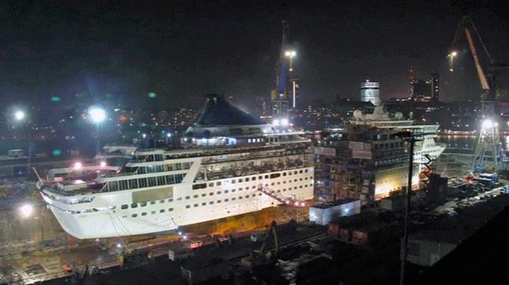 Her deles det «norske» cruiseskipet i to