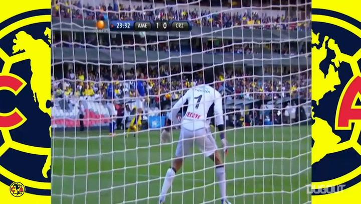 El hat-trick de Chucho Benítez ante Cruz Azul