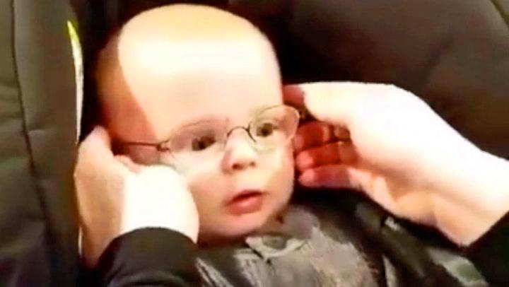 Øyeblikket danske Emil ser mamma for første gang