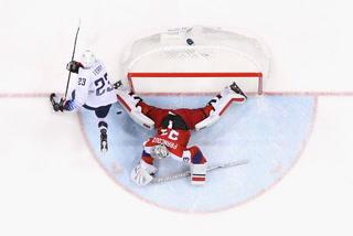 US Men's Olympic Hockey Team Loses Shootout