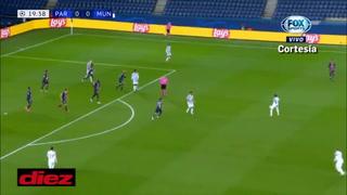 Keylor Navas no pudo evitar la derrota del PSG ante Manchester United a pesar de jugar un partidazo