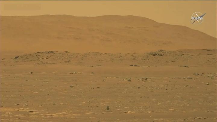 El equipo de la NASA celebra el primer vuelo de un helicóptero en Marte