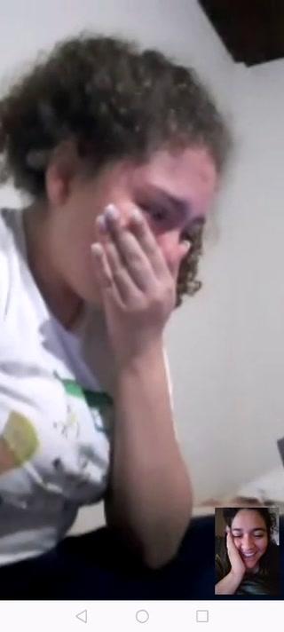Estudiante hondureña llora de felicidad al ser admitida en UNAH