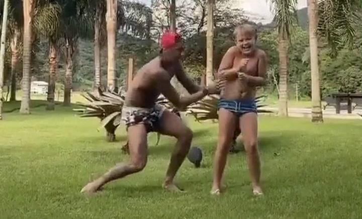 Neymar Jr arrasa con su primer baile para 'Tik Tok' junto a su hijo