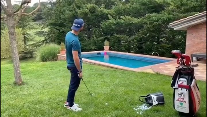 El divertido entrenamiento del golfista Adri Arnaus
