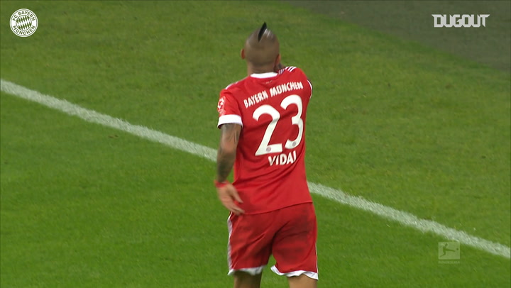 Arturo Vidal scored FC Bayern's third in victory over Schalke 04