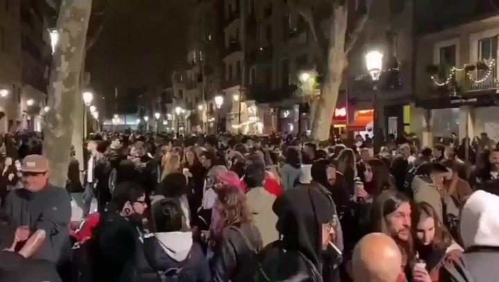El Gremio de Restauradores protesta por el botellón masivo en el Born de Barcelona